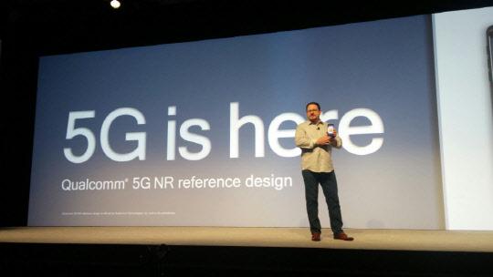 살짝 드러난 '갤럭시10 5G` 시제품…최강 스펙 담았다
